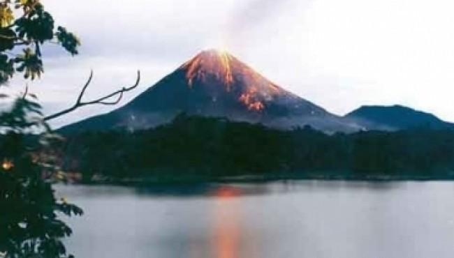 10 Most Amazing Volcanoes Around The World