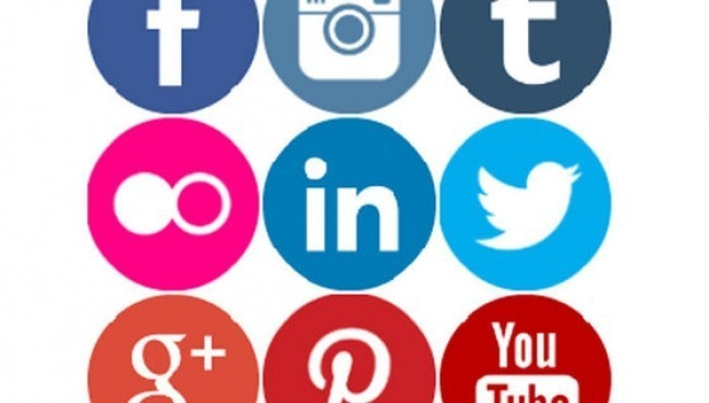 10 Problems With Social Media